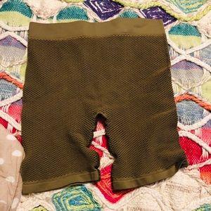 Green Fish Net Stretch Shorts